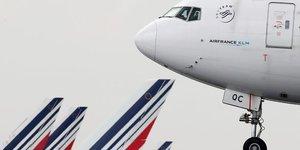 Air france veut supprimer plus de 7.500 postes d& 39 ici 2022, rapporte l& 39 afp