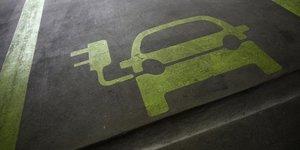Bolloré dépose son projet de bornes pour voitures électriques