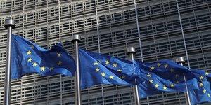 """Brexit: le scenario du """"no-deal"""" devient central, estime paris"""