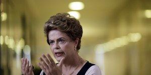 """Dilma rousseff veut accelerer la procedure d'""""impeachment"""""""