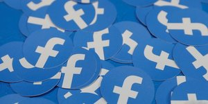 Facebook depasse les attentes malgre ses soucis