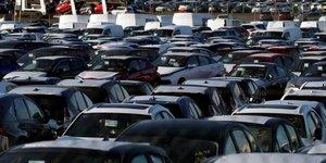 Immatriculations de voitures neuves en baisse de 19,82  en aout, selon le ccfa