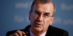 La bce va & 34 recalibrer& 34  ses mesures monetaires en decembre, annonce villeroy de galhau