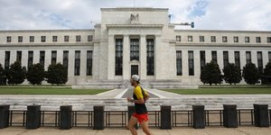 """La fed releve les taux, sa politique n'est plus """"accommodante"""""""