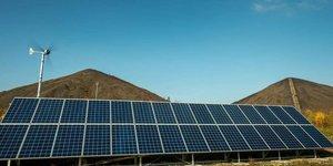 La plate-forme Lumiwatt, lancée en 2011 à Loos-en-Gohelle dans le Pas-de-Calais, se veut être une vitrine technologique inédite et indépendante des énergies renouvelables.