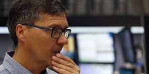 Les bourses europeennes ouvrent en baisse, expectee francfort