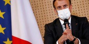 """Macron appelle a tracer des """"lignes rouges claires"""" avec la russie"""