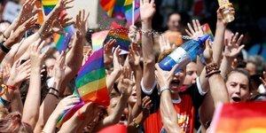 Paris Pride Parade 2018, Marche des fiertés LGBT, lesbiennes, gays, bisexuel.le.s, transgenres,