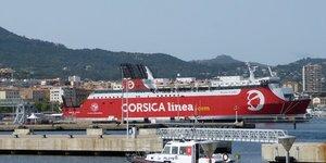 PORT D AJACCIO AVEC Corsica Linea MONTE D ORO