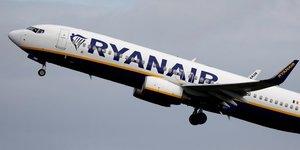 Ryanair abaisse encore sa prevision de trafic annuelle