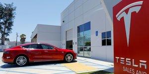 Tesla: le conseil informe la semaine derniere du projet de musk