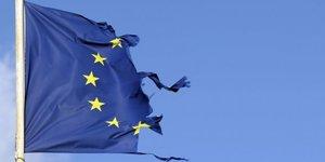 Union européenne, drapeau, flag, déchiré, torned,