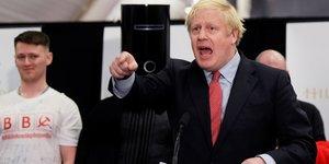 """Victoire ecrasante des conservateurs, un mandat """"historique"""" pour le brexit, dit johnson"""